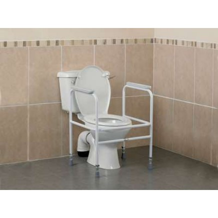 Toilet Surround with Floor Fixing Feet